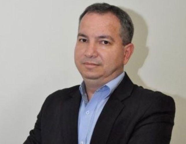 Luis Lira